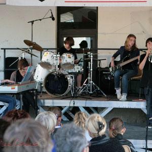 Piano, batterie, guitares. Big Band Jazz du Collège Eléonore de Provence, Monségur, promotion 2011. Festival JAZZ360, Cénac. 01/06/2011