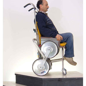 """"""" INVO 1 """" carrello montascale prototipale e il suo inventore"""