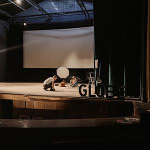 """Shooting mit Jo Schmitt in """"Globe"""", dem ehemaligen Truppenkino der britischen Armee, das 1954 erbaut wurde und nun Saniert werden soll."""