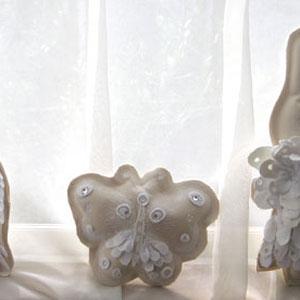 しろいもの展での白い立体作品