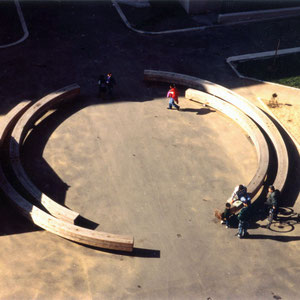 1993 - Revitalizing the green spots of heavily inhabited area, Monumental sculpture, Red cedar and galvanized steel, LOGIAL, Alfortville, France.