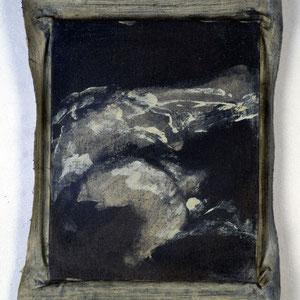 Hommage à  Alain Resnais (Nuit et brouillard), 1992, jeu d'enduit et colle de peau sur toile agrafée sur un châssis de 30 x 24 cm et débordant de 2 à 3 cm sur le pourtour, Collection particulière, Paris