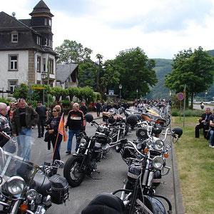 5000-6000 Bikes auf einem Plartz und Super Stimmung