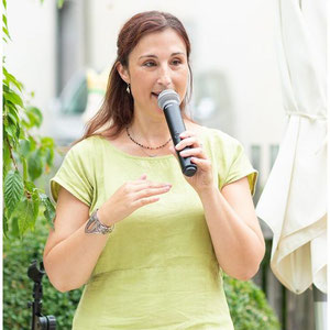 Papilio – freie, kreative Trauungen und Lebensfeiern, Barbara Christina Merz, freie Theologin und Rednerin – Foto von Julia Baumann