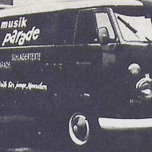 MUSIK PARADE Ook de Duitse uitgave van Muziek Parade gebruikt een VW bus.