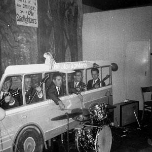 THE STARFIGHTERS ....maar droomden toch over een eigen bus !