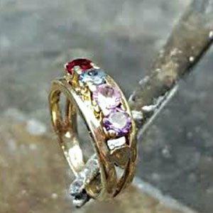 BA 7 - Before - Her outdated mother's ring was in need of a fresh new look.