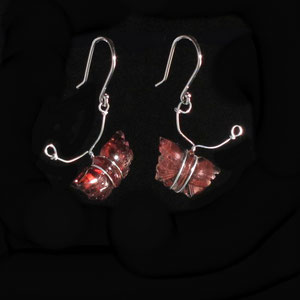 E 2 - 14K white gold with carved toumaline butterflies drop earrings.
