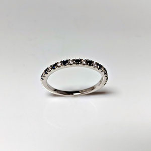 B 28 - 14K white gold ring with sapphires and diamonds.