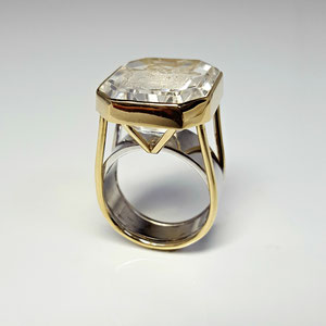 CS 31 - 14K  yellow and white ring with intaglio carved stone.