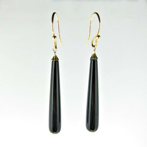 E 83 - 14K yellow gold earrings with black onyx dangles.
