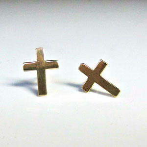 E 43 - 14K yellow gold cross earrings.