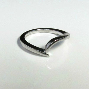 WF 16.1 - 14K white gold contour band.