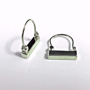E 36 - 14k white gold simple bar earrings.