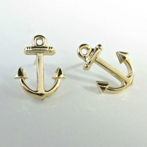 E 41 - 14K yellow gold anchor earrings.