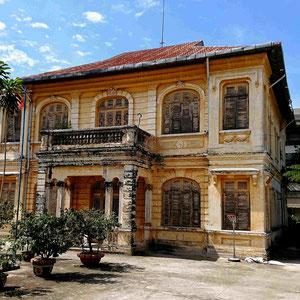 Architektonische Zeugnisse aus der französischen Besatzungszeit – im Mekong Delta sind in verschiedenen Städten alte Villen aus der Kolonialzeit zu finden