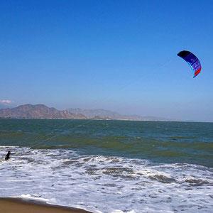Es gibt wunderschöne Ecken für Kitesurfen in Vietnam - für Anfänger & Fortgeschrittene.