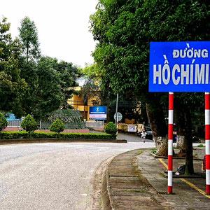 Abseits der Hauptrouten unterwegs sein – der Ho Chi Minh Pfad, Heute teilweise eine gut ausgebaute Straße, verläuft entlang der Grenze zu Laos & Kambodscha.