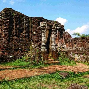 Einzigartige Baumaterialien, fugenlose Bauweise, lange Haltbarkeit – die alten Tempel des Champa-Reiches sind wundervolle Denkmäler alter Baukunst