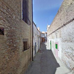 Il Vicolo S. Pardo, non molto distante dal Vico Granata, in cui furono rinvenuti pavimenti musivi di un antico edificio di culto paleocristiano