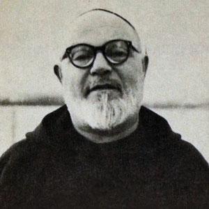 Padre Paolino da Casacalenda, al secolo Francesco di Tomaso (1886-1964). Era Superiore del Convento di San Giovanni Rotondo il 20 settembre 1918, quando Padre Pio ricevette le stimmate permanenti. Fu Ministro provinciale dal 1944 al 1950