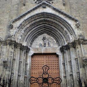 F. PERRINI, Portale (1317). Lanciano, Chiesa di Santa Maria Maggiore