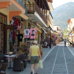 Unterwegs in Kalavrita, eine griechische Sommerfrische in den Bergen