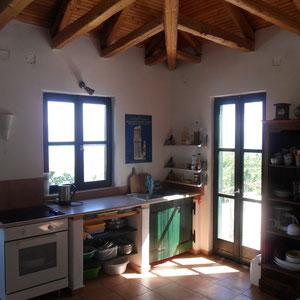 Küchenzeile (Fenster mit Meeresblick