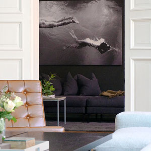 Black Walls For Art - PASiNGA Blog, image via designsponge