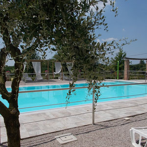 B & B near Mantua with swimming pool, private bathroom, breakfast, motocross mantova, parking, cheap