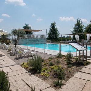 Wohnung in der Nähe von Mantua mit Schwimmbad, eigenem Bad, Frühstück, Motocross Mantova, Parkplatz, billig