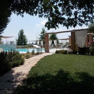 B & B Wohnung in der Nähe von Mantua mit Schwimmbad, eigenem Bad, Frühstück, Motocross Mantova, Parkplatz, billig
