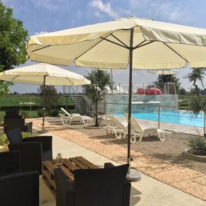 B & Bappartement près de Mantoue avec piscine, salle de bain privée, petit déjeuner, motocross mantova, parking, pas cher