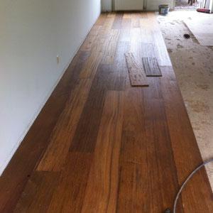 Nieuwe vloer Merbau 22 cm breed