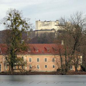 Teil von Schloß Leopoldskron mit der Festung