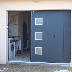 Sectionnelle villa lat rale aludoor manuelle avec for Porte de garage la toulousaine villa