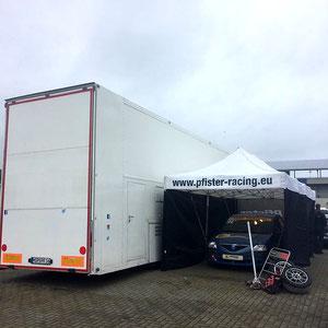 Testtag ADAC Logan Cup Pfister-Racing Teamzelt mit Team-Truck seitlich