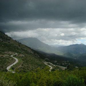und absolute Stille in den Bergen Richtung Ioannina