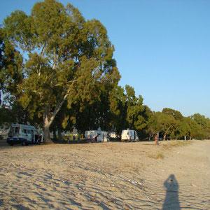 Menschenleerer Strand bei Igoumenitsa