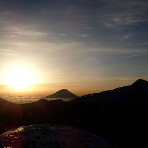 小仙丈からの朝日。