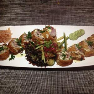 The NEW California Schnitzel Roll mit Gurke, Wiener Schnitzel und Preiselbeeren