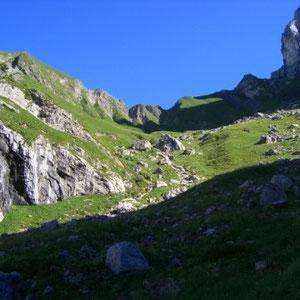 Tournette : en montant par Montmin - AU BOUT DES PIEDS
