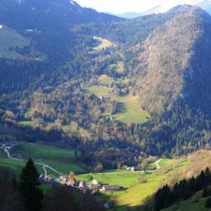 Annecîmes, Maxirace : vue sur Mont Derrière - AU BOUT DES PIEDS