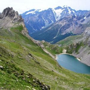 SkyRace : le Grand Lac et au fond les Agneaux - AU BOUT DES PIEDS