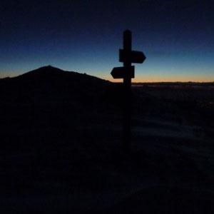 Le Cheiron : l'aube au col de Coursegoules - AU BOUT DES PIEDS