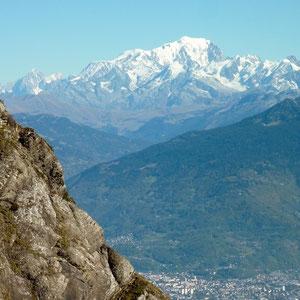 Pécloz (Bauges, 73) : Mont-Blanc et Albertville - AU BOUT DES PIEDS