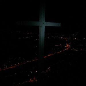 Annecîmes, Maxirace : Croix de Chuguet, vue sur le lac - AU BOUT DES PIEDS