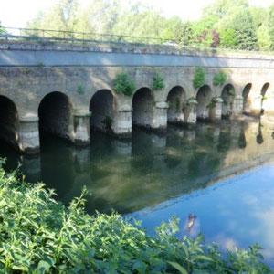 Grand-Morin : pont canal - Au Bout des Pieds