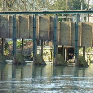 la Ferté-Gaucher, 3è barrage - AU BOUT DES PIEDS