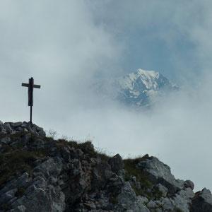 Sambuy (Bauges, 73) : le Mont Blanc - AU BOUT DES PIEDS